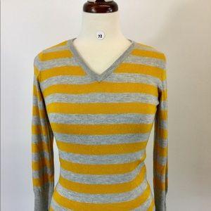 Mossimo Stripes V Neck Shirt Size S (B-72)